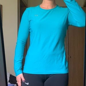 Long sleeve under armour top